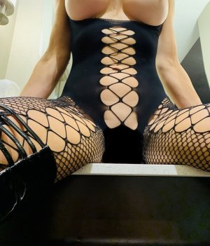 Edelyne escort in Belleville Illinois