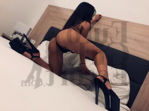 Soline ebony live escort in Escanaba Michigan