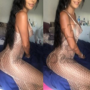 Raouda escort girl in McHenry Illinois
