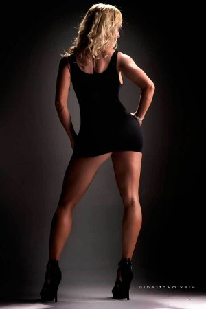 Flauriane escort girl in Athens TX
